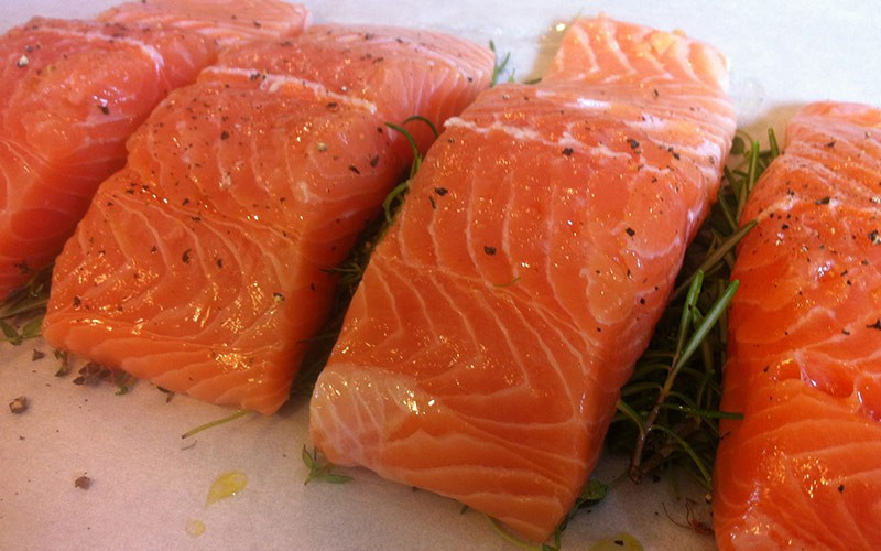 Which types of fish are low in mercury dietetic directions for How does mercury get into fish