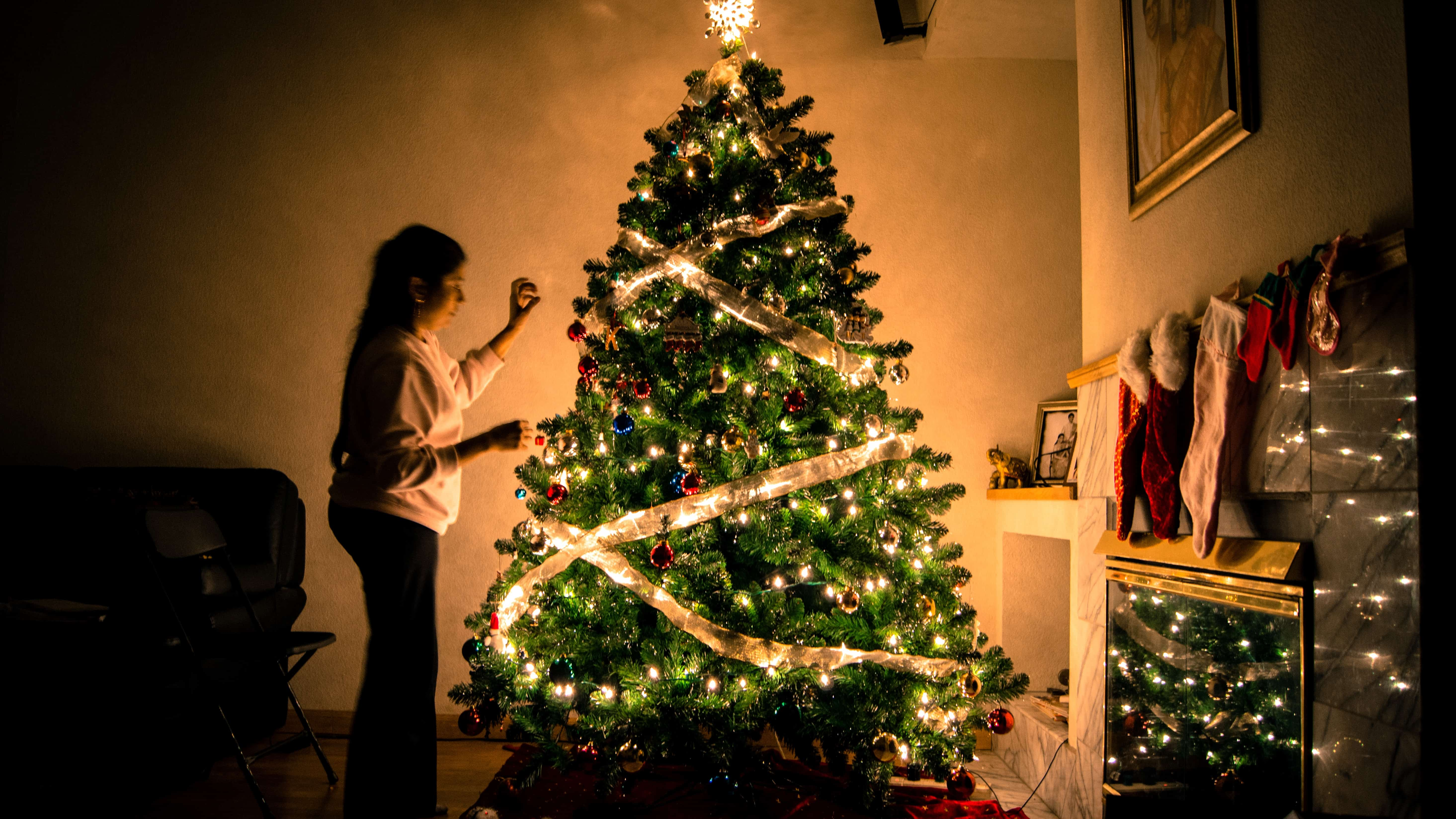 Top 5 holiday eating mistakes plus dietitian tips solutions christmas tree solutioingenieria Choice Image